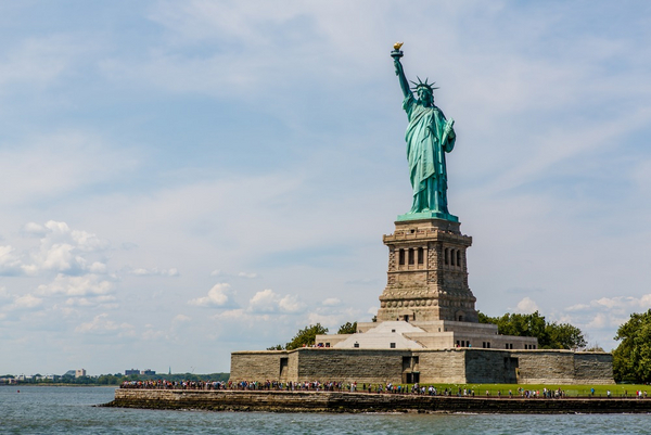 Statue of Liberty Chris Parypa Photography shutterstock 281957933